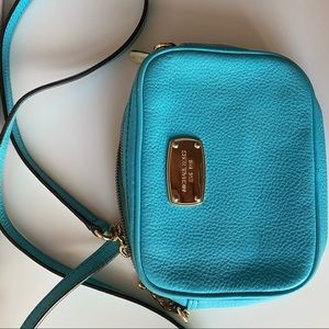 Michel Kors small chain strap crossbody bag